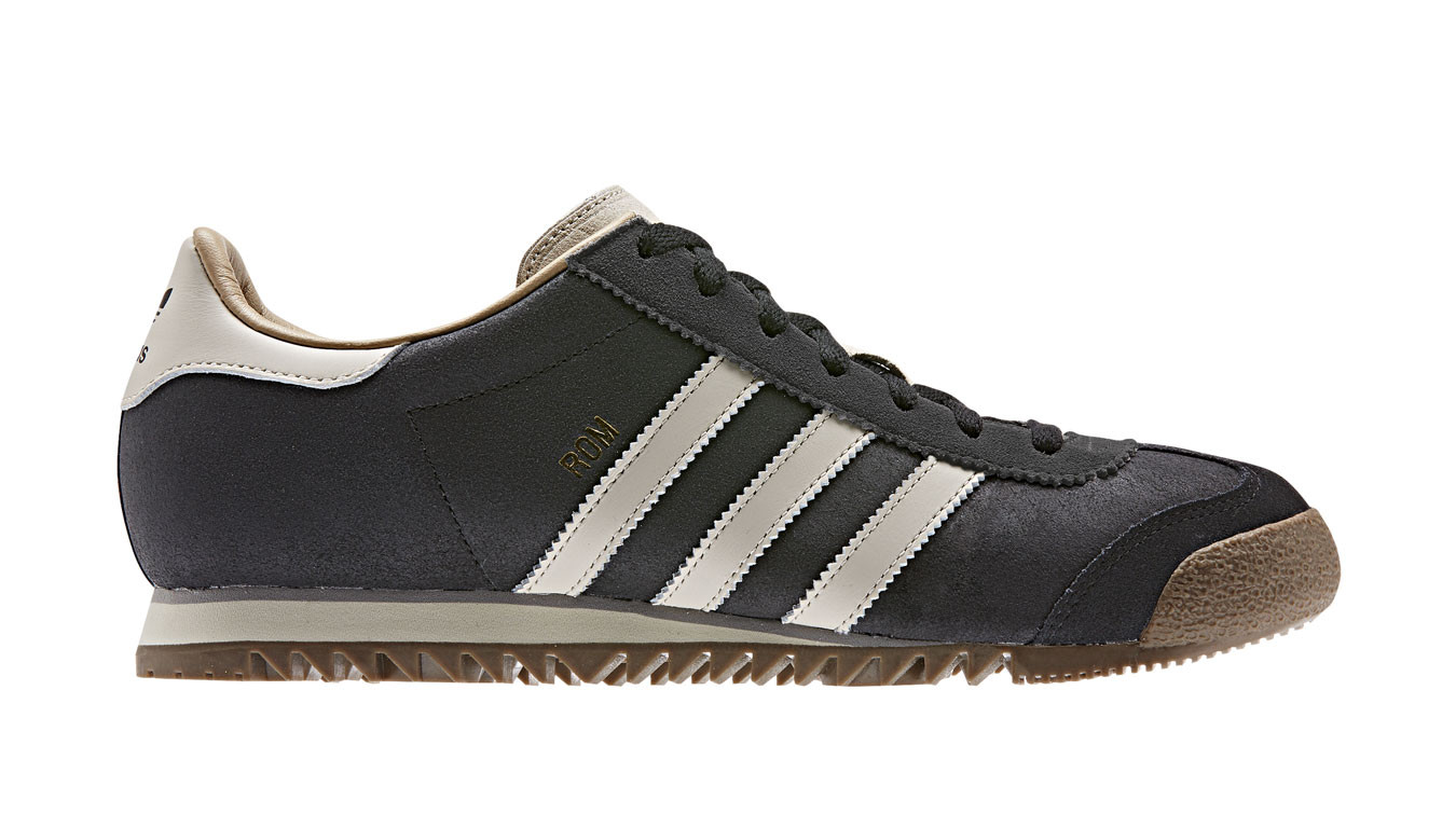 classic styles detailed pictures watch adidas Rom Carbon
